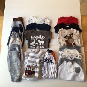 Baby 0-3 month bundle lot of 18 onesies pants pj's